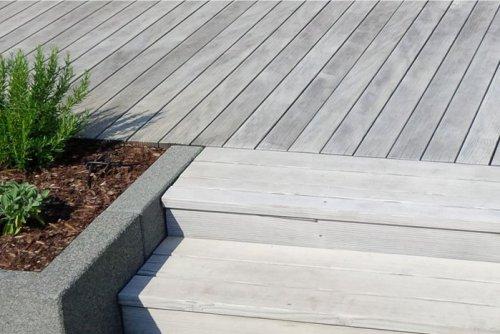 Holzterrasse/Terrassendielen - Terrasse modern