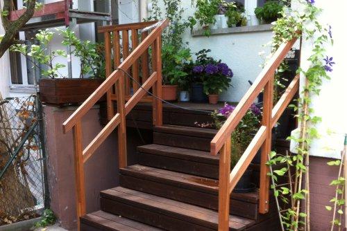 Holzterrasse/Terrassendielen - Terrassentreppe