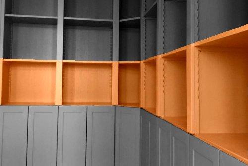 Möbelbau Maßmöbel Foto grau-orange | Hartmann Holzmarkt Frankfurt Rhein-Main